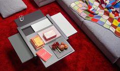 Corrado Nardo ci parla del tavolino PAR4 di @sculpturesjeux! Potete trovare i prodotti di questo marchio, distribuito in Italia da Eurhost Distribution, presso lo showroom di Cappello Mobili a Padova! Leggi l'intervista qui