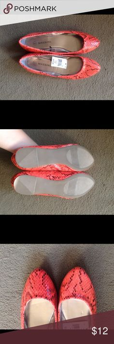 Red snakeskin flats NWT Red snakeskin flats, NWT. Size 6, never worn, no flaws. Feel free to make an offer or ask any questions! Massini Shoes Flats & Loafers