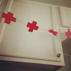 Cute garland idea for a certain graduation party we'll be having soon!