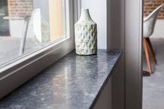 Vensterbank Fine Basalt (antraciet, gezoet)   Vensterbank-natuursteen.nl New Homes, Cement Tiles Bathroom, Window Sill, Cement Tile, Decor, Home, Interior, Bottles Decoration, Home Decor
