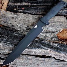 7 Essential Fixed Blade Knives To Keep You Alive | Your Ultimate Guide On How To Choose The Best Survival Knife for BOB & SHTF by Survival Life at http://survivallife.com/essential-fixed-blade-knives-to-keep-you-alive/