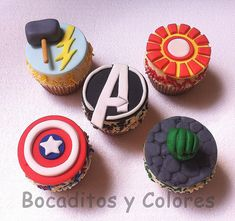 Like the Avengers? Then you'll totally love these amazing looking avengers cupcakes! The cupcakes were made by various Avenger Cupcakes, Marvel Cupcakes, Avenger Cake, Marvel Cake, Cute Cupcakes, Cupcake Cookies, Fondant Toppers, Cupcake Toppers, Avengers Birthday Cakes