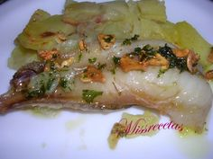 Rape al horno con patatas a la donostiarra Fırın yemekleri Spanish Cuisine, Spanish Food, Seafood Dishes, Fish And Seafood, Lotte Au Four, Chicken Alfredo, World Recipes, Great Recipes, Food And Drink