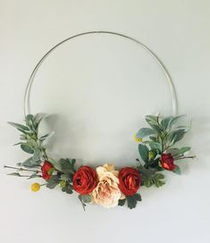 This Wreath looks great with any decor. Simple and elegant. Custom home decor. Home accents, wire wreath Handmade Home Decor, Diy Home Decor, Modern Wreath, Wire Wreath, Door Wreath, Floral Backdrop, Wedding Wreaths, Summer Wreath, Valentines Diy
