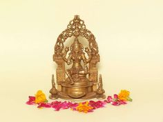 Maa Lakshmi is sending your way Happiness and prosperity this day Happy #Lakshmipuja.