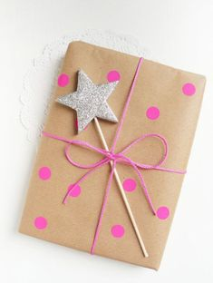 Handmade Cott'n Gift Bags for your Guests and Customers - CottnLove - Gift wrapping ideas by Ghirlanda Di Popcorn - Cute Gift Wrapping Ideas, Present Wrapping, Creative Gift Wrapping, Christmas Gift Wrapping, Creative Gifts, Birthday Wrapping Ideas, Gift Ideas, Gift Wrapping Ideas For Birthdays, Gift Packing Ideas