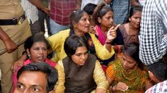 India temple ruling: Protesters block entry to women - BBC News