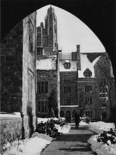 Yale University campus in winter at New Haven, Connecticut,1927 photo by E.O. Hoppé