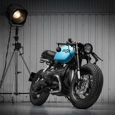 BMW R100 cafe racer by Sinroja Motorcycles of England.