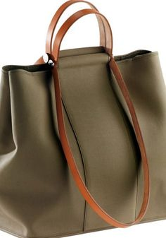 hermes_cabag-bag-in-officie