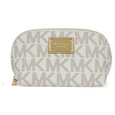 Michael Kors Jet Set Signature Large Travel Pouch (330 RON) ❤ liked on Polyvore featuring bags, handbags, clutches, leather travel purse, leather purse, leather travel pouch, genuine leather handbags and travel pouch