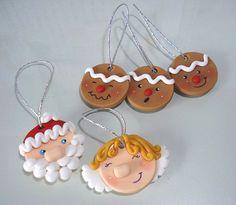 Enfeites para árvore de natal feitos de biscuit