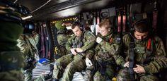 Hallituksen lakiluonnos: Suomalaissotilaat aiotaan velvoittaa taistelemaan ulkomailla
