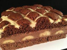 Veľmi obľúbená prešívaná deka trochu inak, doplnená banánmi a čokoládovým krémom. Vynikajúci koláč, ktorému neodoláte.