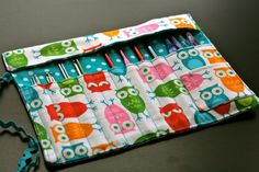 Crochet Hook Rolls by The Craft Junky | I need this for my hooks. Such a cool idea!
