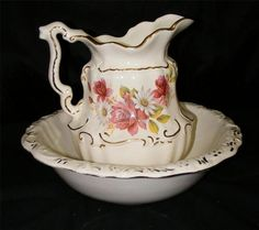 ~ Vintage Pitcher Bowl Set Water Wash Basin White Gold w Roses Daisies | eBay...