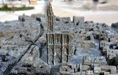 Reproduction en bronze à l'échelle 1/750e de la Cathédrale Notre-Dame de Strasbourg