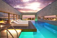 Inspirations Modern And Exotic Resort Pool Design Ideas Top Infinity Pool Design In Florida With Gazebo Amazing Swimming Pool With Decks To Inspire You Hotel Swimming Pool, Amazing Swimming Pools, Luxury Swimming Pools, Hotel Pool, Indoor Swimming Pools, Swimming Pool Designs, Hotel Spa, Insane Pools, Shoreditch House
