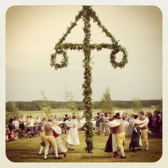 15 essential things you need when you celebrate Swedish midsummer!