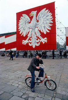 Plac Zwycięstwa(dziś Józefa Pułsudzkiego) Warszawa 1983  Fot. Chris Niedenthal