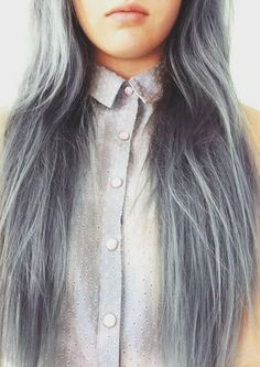 Dye your hair simple & easy to ashy silver hair color - temporarily use platinum silver hair dye to achieve brilliant results! DIY your hair cool silver with hair chalk Dark Grey Hair Color, Gray Hair, Hair Colour, Ash Grey, White Hair, Brown Hair, Blue Grey, Silver Hair Extensions, Silver Hair Dye