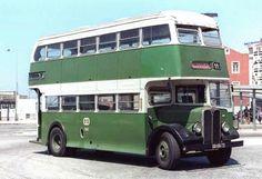 Old Lisbon bus Richard Branson, Sea Activities, Routemaster, Iberian Peninsula, Bus Coach, Most Beautiful Cities, Public Transport, Sunny Beach, Old Pictures