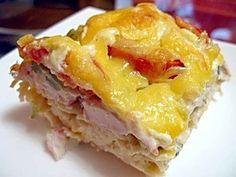Puff pastry pie with pasta. Incredible Recipes, Great Recipes, Favorite Recipes, Easy Recipes, Russian Desserts, Russian Recipes, Yummy Snacks, Yummy Food, Healthy Food