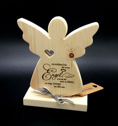 Engel aus Zirben Holz mit Laser Gravur Angel of pine wood with laser engraving! Christmas Makes, Christmas Wood, Christmas Crafts, Christmas Decorations, Wood Angel, Angel Crafts, Scroll Saw Patterns, Christening Gifts, Wood Gifts