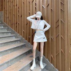 Cute Skirt Outfits, Cute Casual Outfits, Korean Fashion Trends, Korea Fashion, Kimono Fashion, Fashion Outfits, Womens Fashion, 80s Fashion, Skinny Inspiration