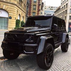Dream cars jeep mercedes benz g class new ideas Mercedes G Wagon, Mercedes Auto, Mercedes Benz Amg, Gwagon Mercedes, Bugatti Veyron, Lamborghini Veneno, Maserati Suv, Audi R8, Camaro Zl1