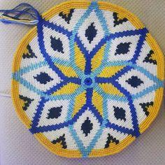 Marvelous Crochet A Shell Stitch Purse Bag Ideas. Wonderful Crochet A Shell Stitch Purse Bag Ideas. Crochet Shell Stitch, Bead Crochet, Native American Crafts, Ribbon Work, Tapestry Crochet, Mosaic Patterns, Fiber Art, Crochet Projects, Kids Rugs