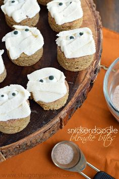Snickerdoodle Blondie Bites with with buttercream frosting. Perfect holiday treats, easy to make too! Halloween Mummies! #sponsored #pillsbury
