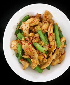 Chicken and Green Beans Stir Fry Teriyaki Sauce, Sweet Chili, Stir Fry Recipes, Asian Cooking, Filipino Recipes, Rice Vinegar, How To Cook Chicken, Wok, Green Beans