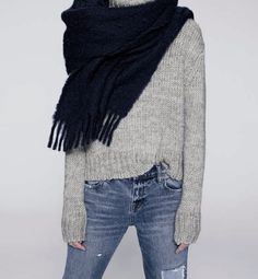 MINIMAL + CLASSIC: cosy sweater, denim & scarf