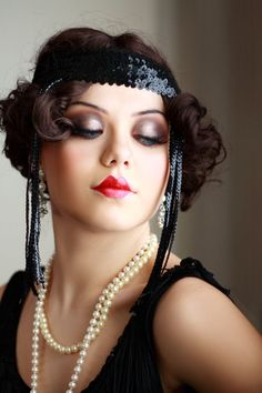 Roaring Makeup And Hair Great Gatsby Makeup, 1920 Makeup, Flapper Makeup, Vintage Makeup Tutorials, 1920s Makeup Tutorial, Make Up Looks, Roaring 20s Makeup, Hair And Makeup Artist, Hair Makeup