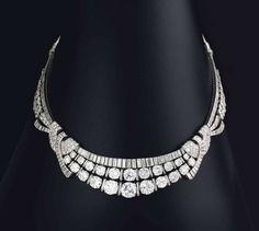 Art Deco; http://www.jewelsdujour.com/2014/12/sale-results-christies-hong-kong-magnificent-jewels-paris-jewels-london-important-jewels/