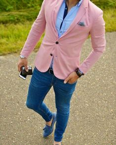 Pink blazer with jeans Pink Blazer Men, Pink Blazer Outfits, Blazer With Jeans, Blazer Fashion, Mens Fashion Suits, Best Business Casual Outfits, Formal Men Outfit, Moda Formal, Designer Suits For Men