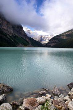 Lake Louise, Alberta (by Amazing Places, Beautiful Places, Places To Travel, Places To Go, World In Motion, What A Beautiful World, Fantasy Island, Visit Canada, Banff