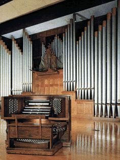 Pipe organ... Yes yes... :)