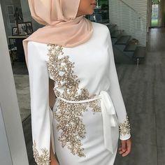 Hijab Fashion 762867624363994599 - Abaya musulman Morrocan Robe Hijab Maxi Robe Caftan Burca pakistanais longues robes islamiques soirée fête Caftan dubaï Vestido Largo Source by fiancailles Abaya Fashion, Muslim Fashion, Modest Fashion, Fashion Dresses, Hijab Evening Dress, Hijab Dress Party, Evening Gowns, Evening Party, Belted Dress