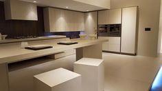Una cocina que se integra en el hogar, una cocina que nos invita a quedarnos.   Love @arritalcucine   #diseñodecocinas #cocinasdecocina #cocinasmadrid