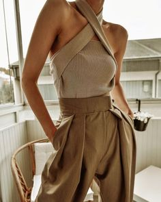 Fashion Ideas And Tips For A Better Look – Fashion Trends Fashion 2020, Look Fashion, Fashion Outfits, Womens Fashion, Fashion Tips, Fashion Clothes, Fashion Today, 1980s Fashion Trends, Fashion Ideas