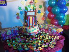Cake, cupcakes & cookie lollipops