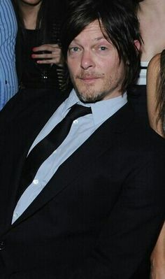 Norman, surrounded by women, as usual !!