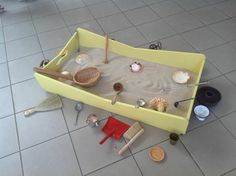 """Sand tray on the floor - from Asilo Nido BIANCONIGLIO, Infernetto ("""",)"""