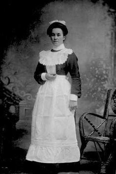 maid uniform 1910