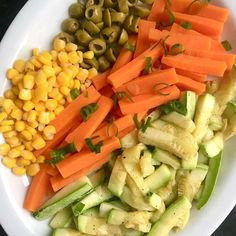 Healthy Tips Fruit Healthy Dishes Sauces Juices Vegetables Cold Dishes Food Drink Meals Healthy Vegetables, Healthy Fruits, Healthy Dishes, Easy Healthy Recipes, Food Dishes, Vegetarian Recipes, Cooking Recipes, Dieta Flexible, Clean Eating