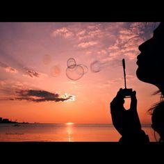 Bubbleblower at sunset