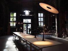 Ο Ingo Maurer παρουσίασε τα νέα σχέδια στο Salone del Mobile 2016. Ingo Maurer, Conference Room, Interiors, Table, Furniture, Home Decor, Art, Fashion, Homemade Home Decor