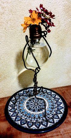 Upcycled creation  Filo di ferro e lampadina